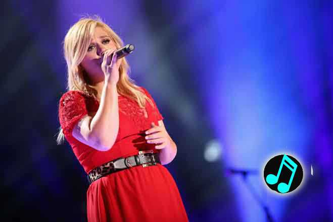 Kelly-Clarkson-Live