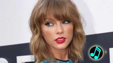Taylor-Swift,-Red-Carpet-2014-VMAs