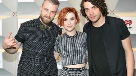 paramore deluxe feature