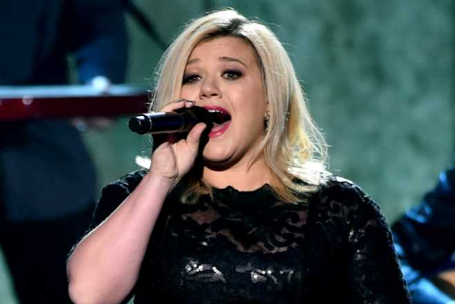 kelly clarkson feature