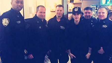 Justin Bieber NYPD cops Dinner Tab