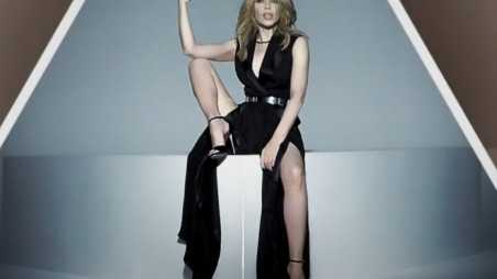 kylie minogue right here feature