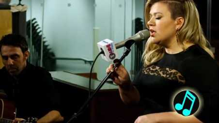 Kelly-Clarkson-Covers-Tracy-Chapman's-Give-Me-One-Reason-Header