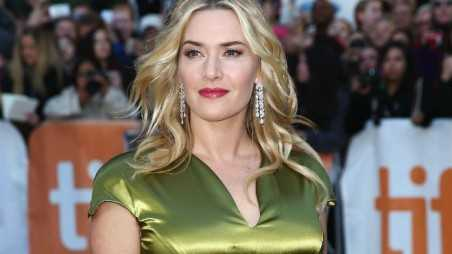 kate winslet loves curves boobs butt