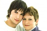 Good Deed Altert Ashton Kutcher Surprises Mom