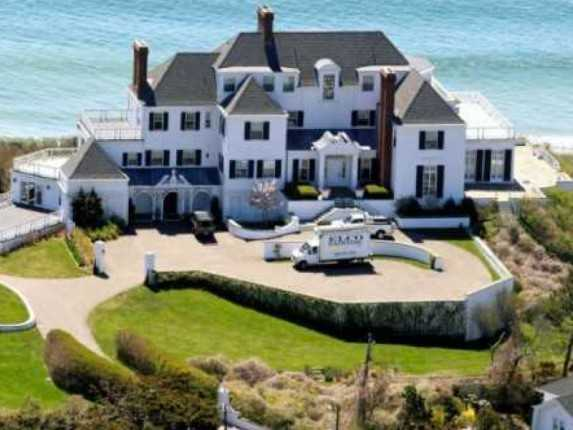 House tour tuesday taylor swift 39 s rhode island mansion Beach houses in rhode island
