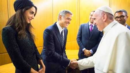 Amal Clooney shopping pope